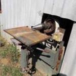 Kúpos rönkhasító méteres és kugli hasitására gép eladó. fotó