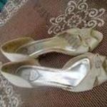 AVANTI 39-es strasszos női alkalmi szandálcipő - egy alk. használt! fotó