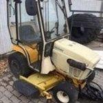 Diesel Traktor hótoló és fűnyíró adapterrel fotó