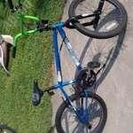 Eladó jó állapotú BMX kerékpár, street gumival, rotorral, Pegekkel fotó