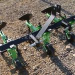 Kultivátor 3 tagos sorközművelő, töltögető adapterrel, Komondor SK3 fotó